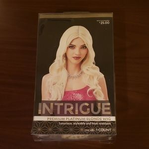 Intrigue Adult Premium Blonde Wig